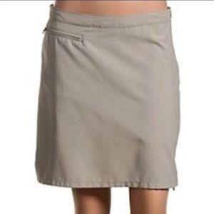 Patagonia light tan side zip pocket active skirt